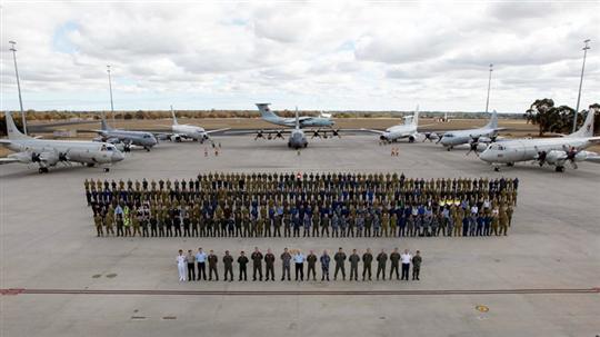 各国飞机停止马航mh370空中搜索工作图片