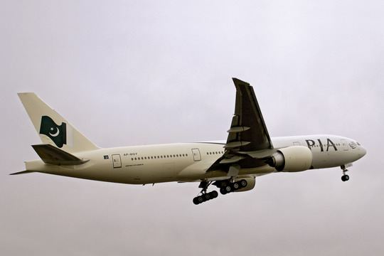 波音777-200lr环球飞机于2005年11月创造了世界上航程最远的民用飞机