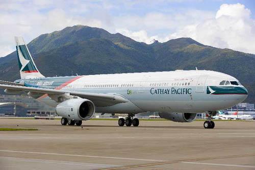 国泰航空公司第一百架飞机今晨飞抵香港