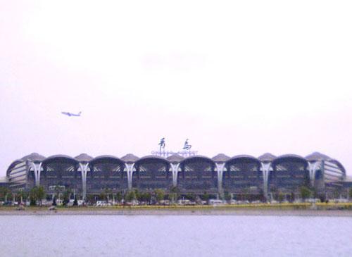 青岛机场成为华东首家通过民航总局审计机场