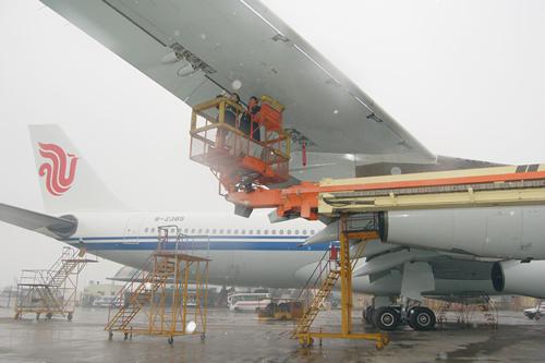 各机型维护车间在对飞机的监控过程中,不断加大检查力度,尽量超越