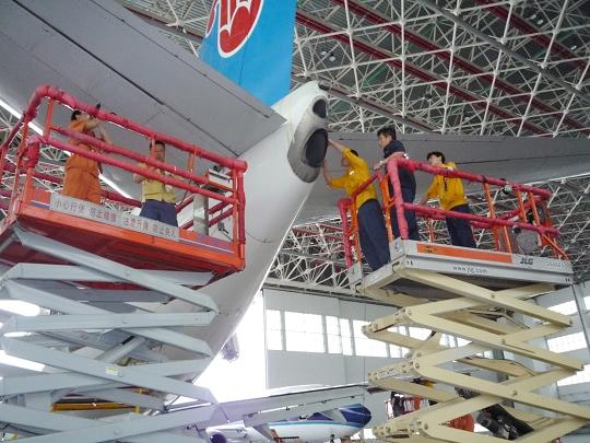 南航新疆飞机维修基地定检旺季生产忙而不乱
