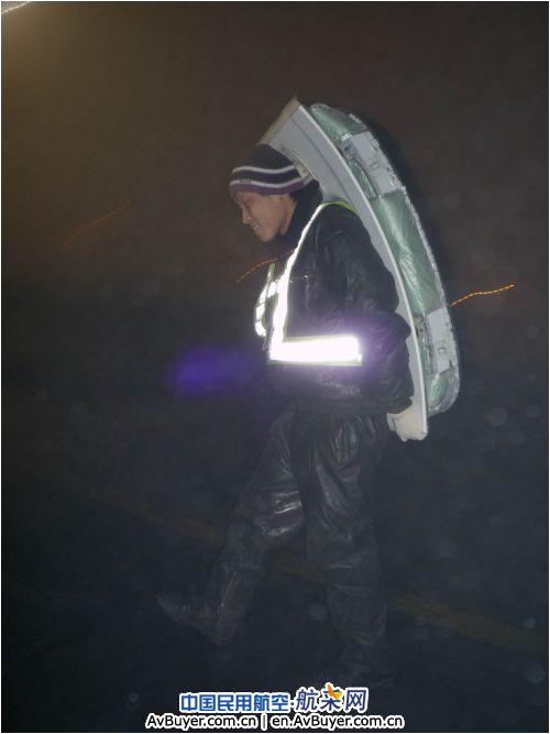 22点30分,南航新疆分公司飞机维修基地(以下简称基地)收到回港的