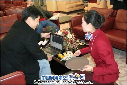 山航青岛机场机库,头等舱休息室同时启用