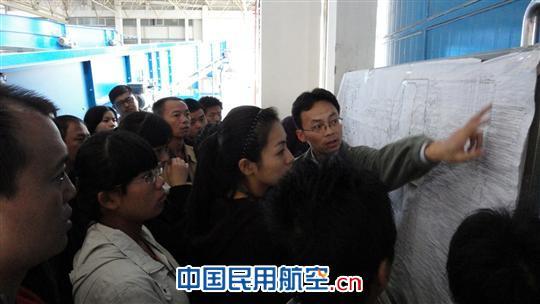 昆明机场物业管理部参观昆船公司行李传输系统