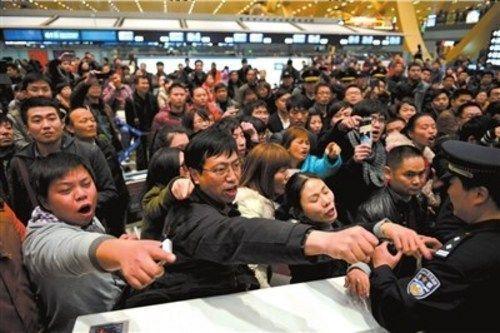 而旅客遇到飞机延误两个小时以上