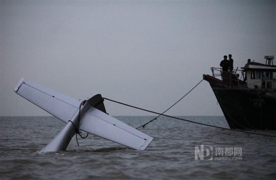 22小型飞机在珠海机场附近空域失事,发动机故障熄火后坠入大海,机上三